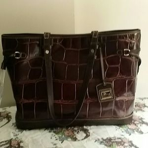 Dooney & bourke croco embossed tote with wristlet